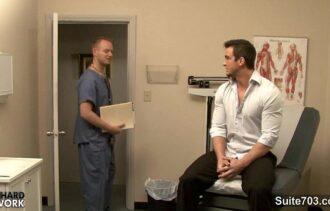 homem transando gif fazendo video gay com médico